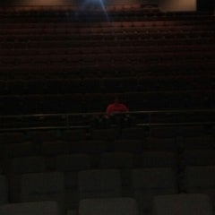 Photo taken at AMC Oakview Plaza 24 by Scott S. on 3/12/2014