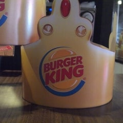 Photo taken at Burger King by Emerson M. on 2/18/2013