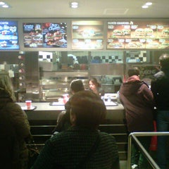 Photo taken at Burger King by Max Videus G. on 12/28/2013
