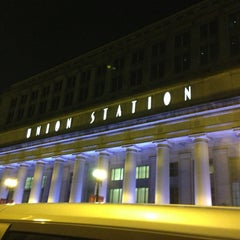 Photo taken at Chicago Union Station by Stacy🍀 on 2/26/2013