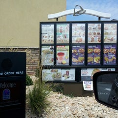 Photo taken at Taco Bell by Aleta C. on 8/11/2012