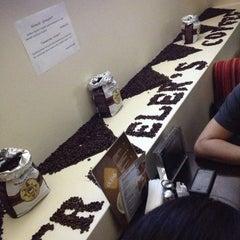 Photo taken at Traveler's Coffee by Kamran DJ AKG G. on 11/6/2012