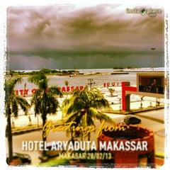 Photo taken at Hotel Aryaduta Makassar by Stanley H. on 2/28/2013