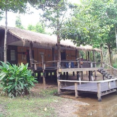 Photo taken at Chachanat Woodland Resort by Qu s. on 12/26/2012