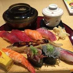 Photo taken at 沼津魚がし鮨 パルシェ6F店 by kolife on 10/12/2014