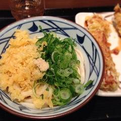 Photo taken at 丸亀製麺 仙台東口店 by joruri on 1/4/2013