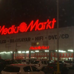 Photo taken at Media Markt by Selçuk ö. on 12/8/2012