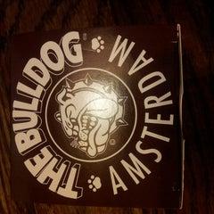 Photo taken at Bulldog Mack by Tolga T. on 4/23/2014