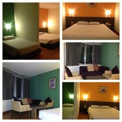 Photo taken at All Seasons Bangkok Siam Hotel by Glory N. on 5/17/2013