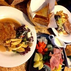 Photo taken at Steak - Kun,bangsean,chonburi by Thanchanok K. on 12/3/2013