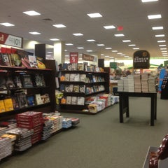 Photo taken at Barnes & Noble by Phil S. on 2/1/2013