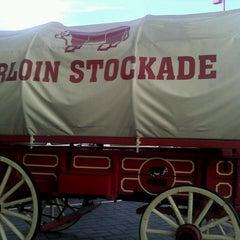 Photo taken at Sirloin Stockade by Pepe B. on 4/28/2013