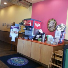 Photo taken at Tropical Smoothie Cafe by Geraldine s. on 11/11/2012