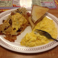 Photo taken at Waffle House by Tennessee J. on 4/7/2014