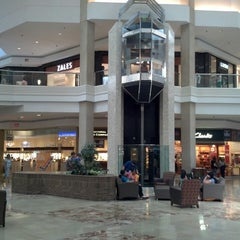 Photo taken at Woodfield Mall by Michael U. on 7/20/2013