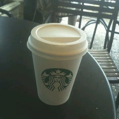 Photo taken at Starbucks by Giannis Z. on 9/16/2012