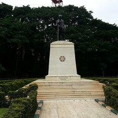Photo taken at Mahatma Gandhi Circle (ಮಹಾತ್ಮಾ ಗಾಂಧಿ ವೃತ್) by Vivek V. on 7/5/2013