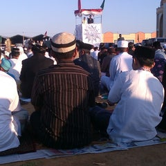Photo taken at Gerbang Tol Parangloe by Syamsul A. on 7/27/2014