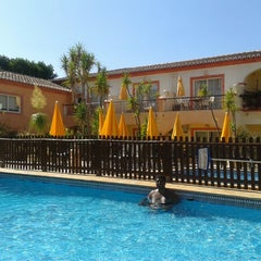 Photo taken at Costa D'Oiro Ambiance Village Hotel Lagos (Portugal) by Marcelo F. on 8/24/2013