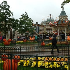 Photo taken at Town Square – Main Street U.S.A by Nicky T. on 10/14/2012