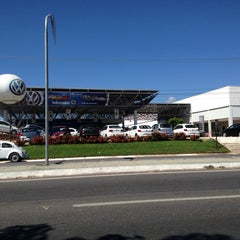 Photo taken at Pau Brasil - Concessionária Volkswagen by Cristhiano A. on 8/8/2013