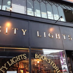 Photo taken at City Lights Bookstore by Tomoyuki A. on 4/29/2013