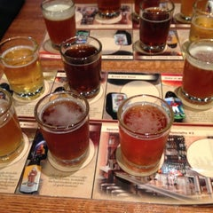 Photo taken at Granite City Food & Brewery by Travis P. on 10/21/2012