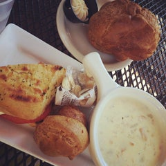 Photo taken at Popovers on the Square by Elaine L. on 9/27/2014