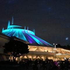 Photo taken at スペース・マウンテン (Space Mountain) by komachi n. on 5/2/2013
