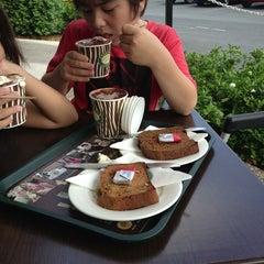 Photo taken at Zarraffa's Coffee by Wakako K. on 1/11/2013