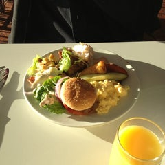 Photo taken at Clarion Breakfast by Samuel H. on 1/20/2013