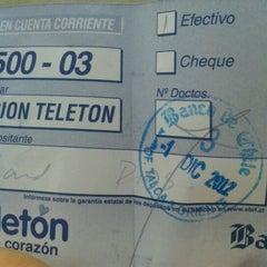 Das Foto wurde bei Banco De Chile von claudia c. am 12/1/2012 aufgenommen