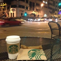 Photo taken at Starbucks by Darius L. on 2/3/2013