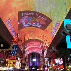 Photo taken at Fremont Street Flightlinez by .Manu A. on 3/20/2013