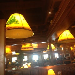 Photo taken at Tahoe Joe's Famous Steakhouse by Matthew R. on 5/12/2013
