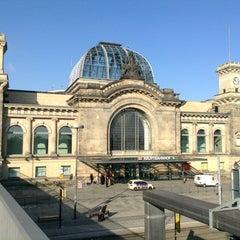 Photo taken at Dresden Hauptbahnhof by Hironori M. on 2/10/2013