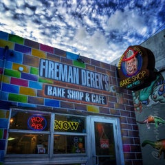 Photo taken at Fireman Derek's World Famous Pies by Danny G. on 10/25/2015