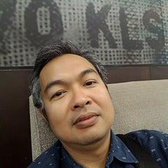 Photo taken at Starbucks (สตาร์บัคส์) by Thaned H. on 9/9/2015