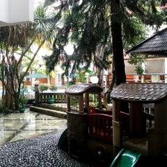 Photo taken at Hotel Salak The Heritage by Richard B. on 1/11/2013