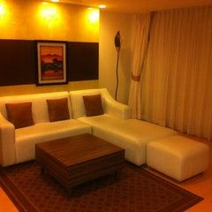 Photo taken at Aspen Suites by Pietro on 11/20/2012