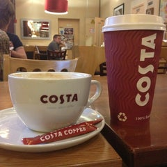 Photo taken at Costa Coffee by Ефимова Е. on 6/14/2013