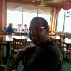Photo taken at Crabby Bill's St. Cloud by Altagracia R. on 9/22/2012