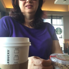 Photo taken at Starbucks by Lec C. on 3/15/2015