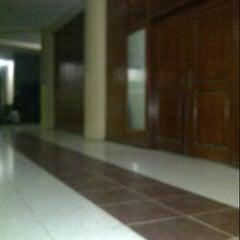 Photo taken at Universitas 17 Agustus 1945 (UNTAG) Samarinda by azlan c. on 4/12/2013