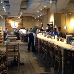 Photo taken at Le Pain Quotidien by Cayo B. on 8/8/2014