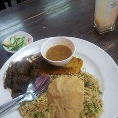Photo taken at BARYANI GAM 88 - Katering & Western Food by Punjunk H. on 10/30/2012