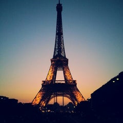 Photo taken at Tour Eiffel by Patê U. on 7/20/2013