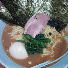 Photo taken at 横浜ラーメン武蔵家 幡ヶ谷店 by ZORRO on 2/16/2013
