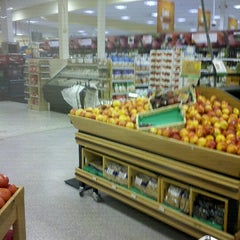 Photo taken at Publix by Render Yourself E. on 9/21/2012