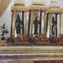 Photo taken at เทวสถาน (โบสถ์พราหมณ์) Dhevasathan (Brahmin Shrines) by Kobtham C. on 12/30/2015